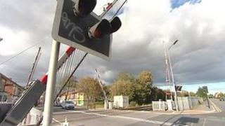 Level crossing at Hawthorne Avenue, Hull