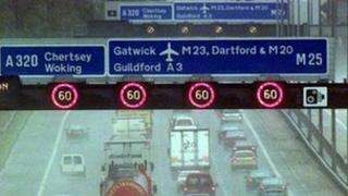 Variable speed limits on the M25
