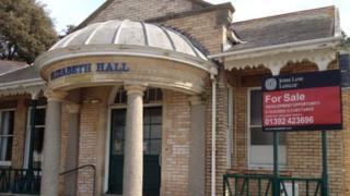 Elizabeth Hall, Exmouth