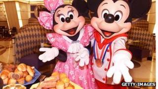 Mickey and Miinni Mouse and cakes