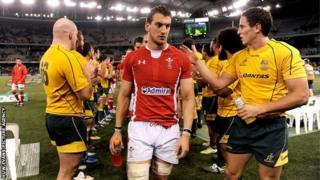 Awstralia v Cymru