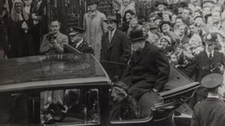 Winston Churchill tours Worcester with his wife Clementine