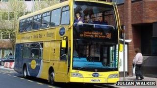 Loddon Bridge park-and-ride bus