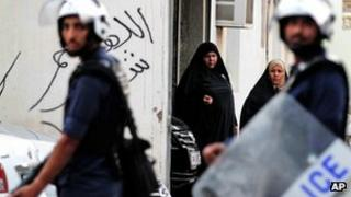 Policemen in Bahraini village of Malkiya (23 June 2012)