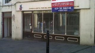 Closed shop in Pontypool