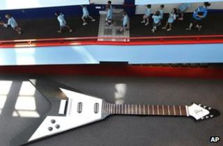 Model guitar in exhibition
