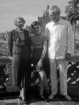 Trotsky with his second wife and grandson