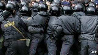 Belarus' police clash with protesters in Minsk. File photo