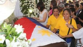 Mourners paid respects to Mr Robredo on 22 August in Naga City