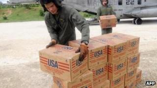Marines offloading USAID supplies in Haiti, 2008