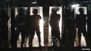 Riot police block supporters of former Maldivian president Mohamed Nasheed (1 September 2012)
