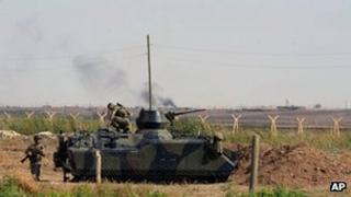 Turkish armoured fighting vehicle at Akcakale, near the Syria border, 5 Oct 2012