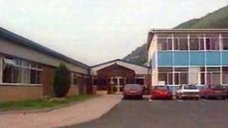 Ysgol Uwchradd Cwmcarn