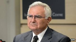 Ex-commissioner John Dalli at news conference in Brussels, 24 Oct 12