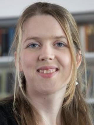 Dr Lynda Boothroyd