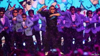 Psy performs