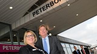 Rail Minister Simon Burns MP with East Coast Managing Director Karen Boswell