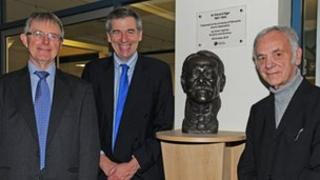 Bust of Edward Elgar donated to the University of Worcester