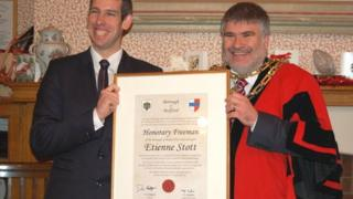 Etienne Stott (left) receives the freedom of the borough of Bedford