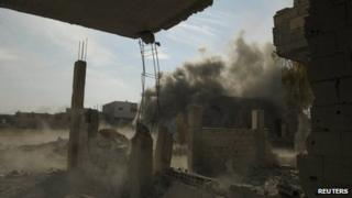 An image purportedly showing the impact of a tank shell in the Damascus suburb of Darayya (17 December 2012)