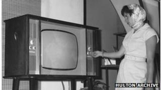 Monochrome TV set
