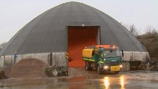 Lorry loading up with grit in Glasgow