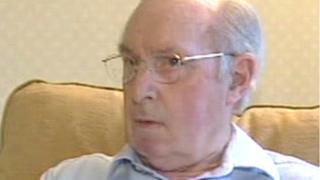 Dr Tom Parry Jones