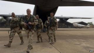 French soldiers arrive in Bamako, Mali (15 Jan) AFP PHOTO / ECPAD / JEREMY LEMPIN
