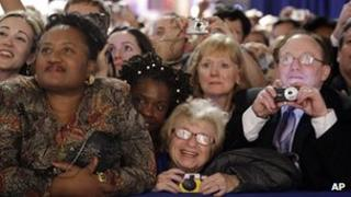 Crowds watch President Barack Obama and Michelle Obama at the 2009 inaugural ball
