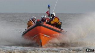 Mablethorpe RNLI crew returning to shore