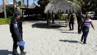 Mexican Army soldiers at the crime scene in Acapulco