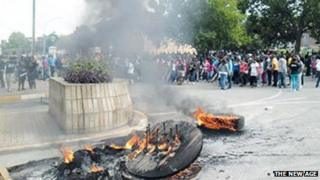 Students protesting at Fort Hare University, South Africa - taken by Sithandiwe Velaphi, The New Age