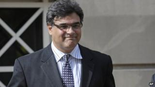 Former CIA officer John Kiriakou leaves US District Courthouse in Alexandria, Virginia 27 October 2012