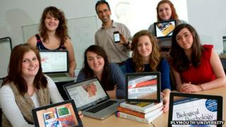 Professor Phil Gee with Plymouth University psychology students