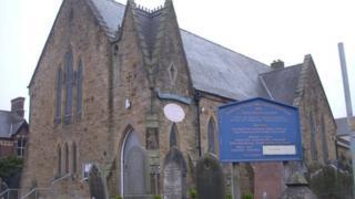 Eglwys Stryd Tyddyn, Yr Wyddgrug