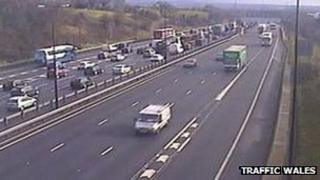 Heavy traffic on the M4 between J28-29 on Friday morning
