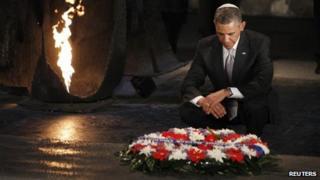 Barack Obama lays a wreath at Yad Vashem (22 March 2012)