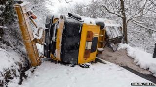 Overturned gritting lorry in Wentnor, Shropshire