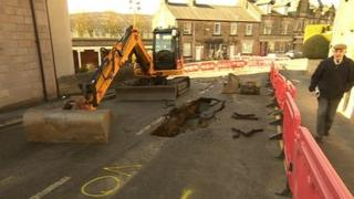 The hole in Smedley Street