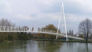 Reading River Thames footbridge design