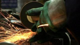 Metal grinding in Indian factory