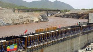Ethiopian works to divert the Blue Nile in Guba, Ethiopia, 28 May 2013