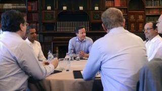 G8 leaders around table