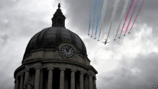 Ministry of Defence of the Red Arrows, led by a Sentinel aircraft from No5 Squadron based at RAF Waddington,