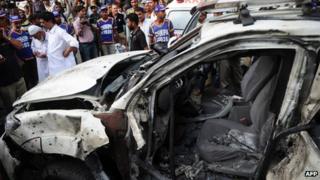 Car wreckage (10 July 2013)