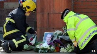 Police and fire officers lay tributes to Stephen Hunt