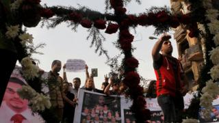 Memorial march for Egyptian Christians killed in clashes in April 2013 (file photo 24 May)