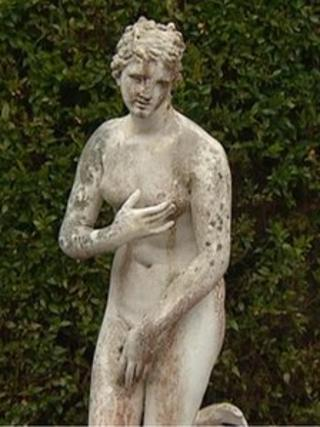 The statue of Venus - or Venus de Medici