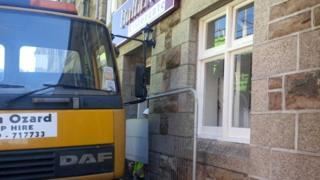 Lorry outside The Italian, Camborne