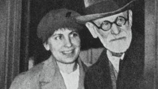 Anna and Sigmund Freud arriving in Paris in 1938 after escaping from Nazi-occupied Austria